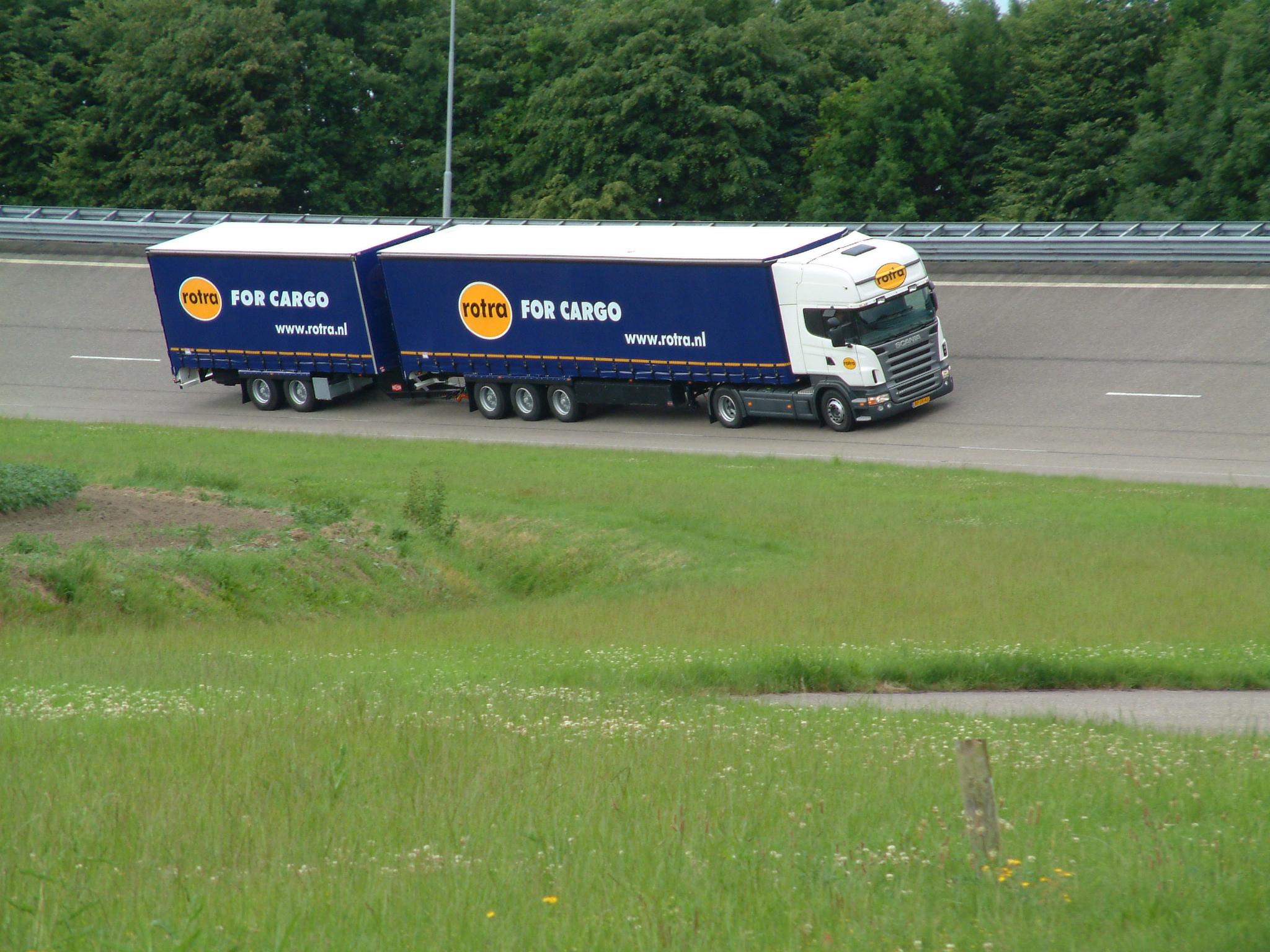 ROTRA (divizia de transport rutier și cea de depozitare), achiziționată de Kuehne+Nagel!